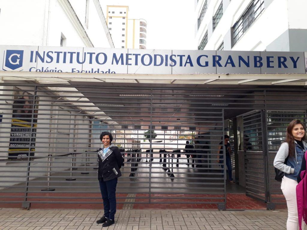 Dani Ferreira Escritora Visita ao Colégio Granbery em Juiz de Fora