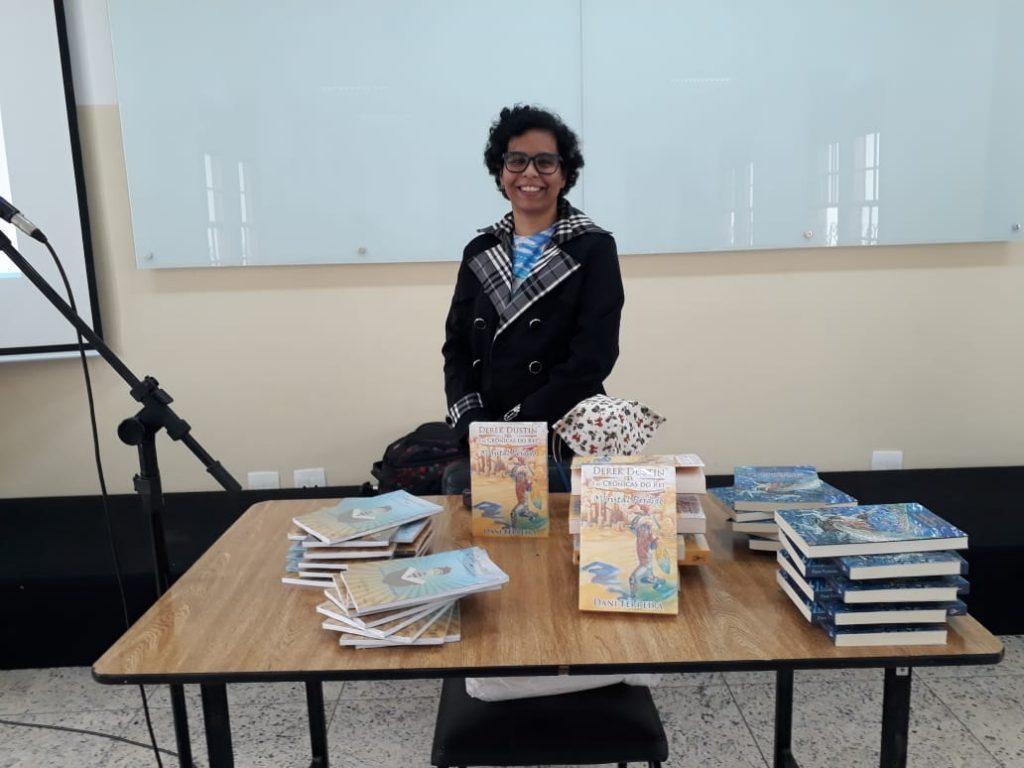 Dani Ferreira Escritora Palestra no Colégio Granbery